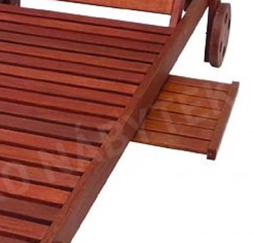 Dřevěné zahradní lehátko s odkládací plochou