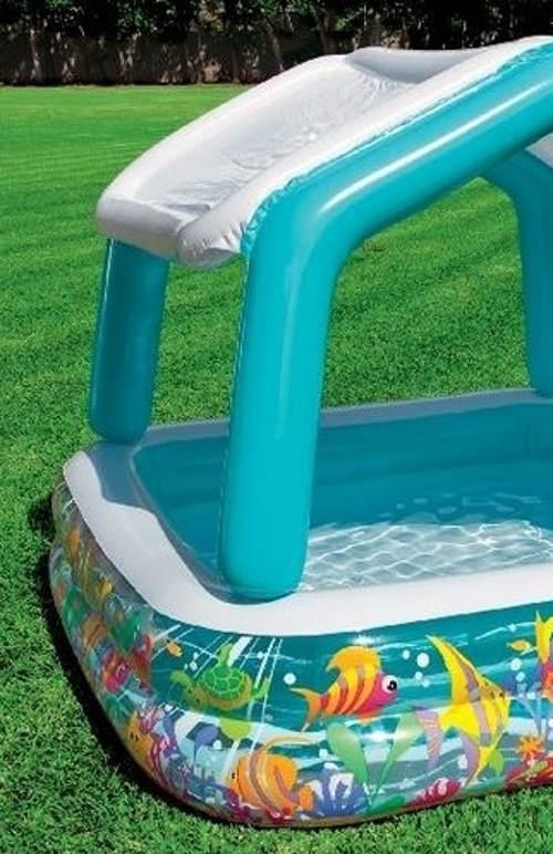 Zahradní bazén se stříškou