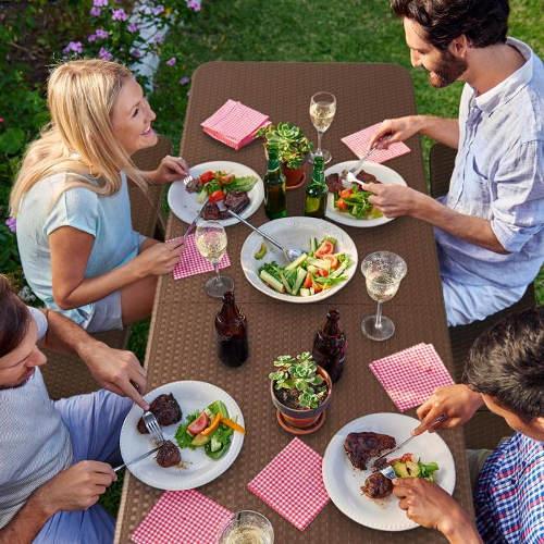 Rodinné oslavy na zahradě