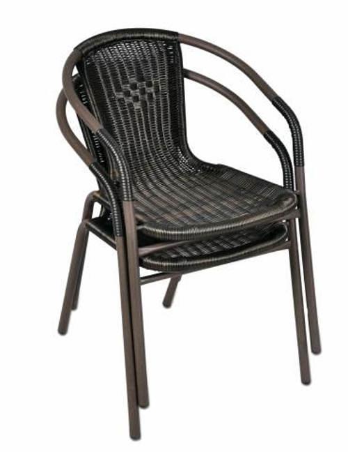 Skladné díky skládaní židlí na sebe