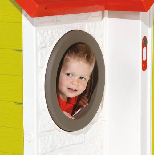 Kulaté okno dětského zahradního domku