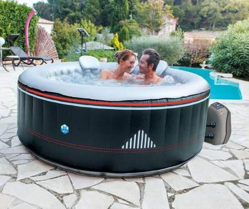 Vířivka k zahradnímu bazénu