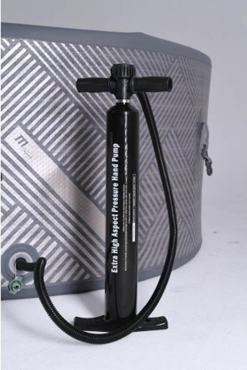 Výkonná ruční pumpa k mobilní vířivce