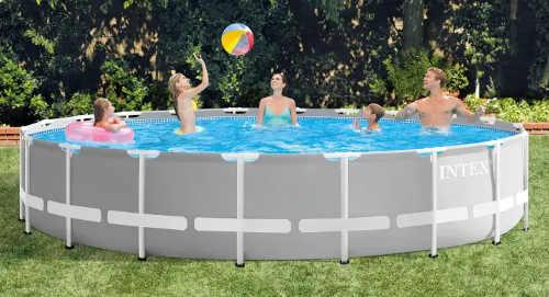 Velký zahradní bazén šedé barvy