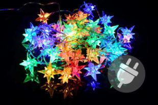 Vánoční řetěz ze svítících hvězdiček