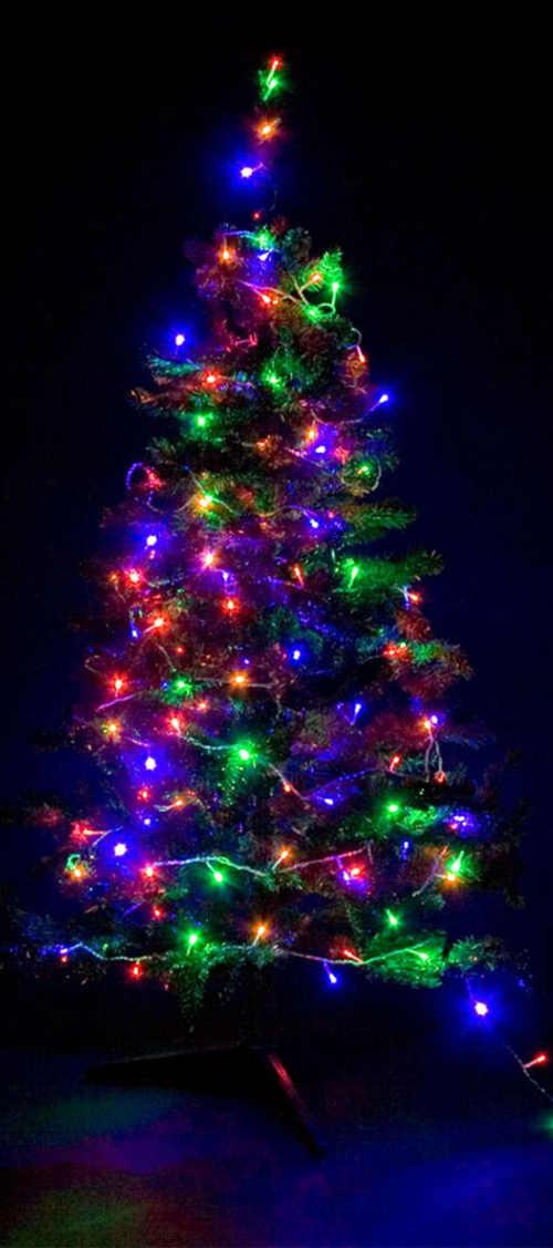 Barevný svítící LED řetěz na vánoční stromek