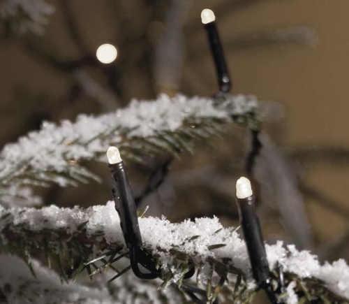 Světelný řetěz na venkovní vánoční stromek