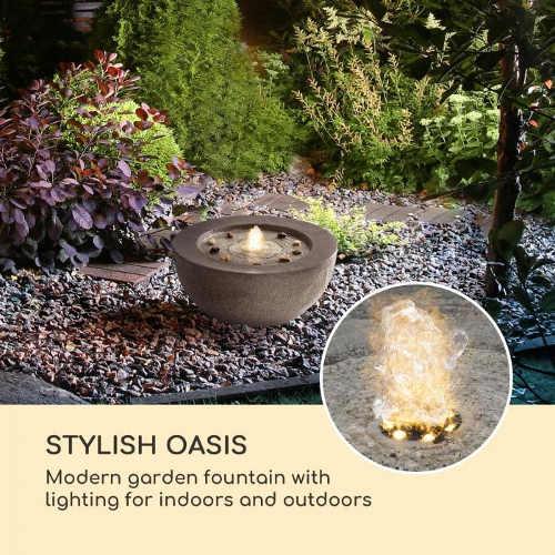 Svítící zahradní dekorace s fontánkou