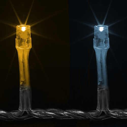 Teplé i studené svítící LED diody na jednom vánočním řetězu