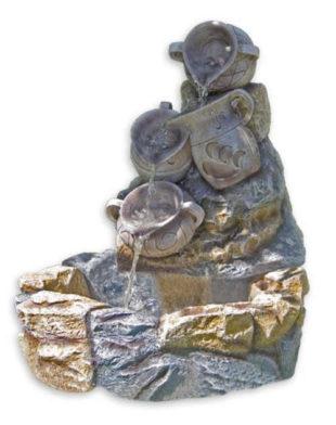 Zahradní kašna z umělého kamene voda tekoucí z džbánků