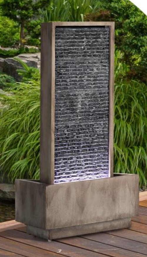 Zahradní fontána z pozinkovaného plechu