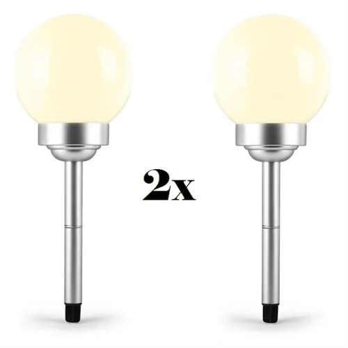 Dvě solární lampičky pro osvětlení chodníku
