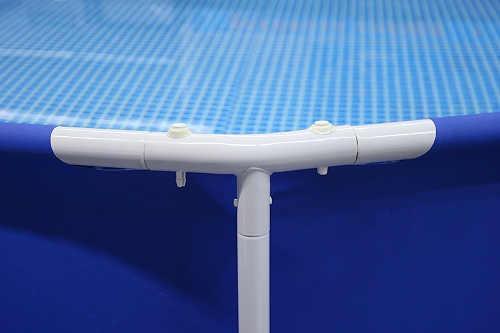 Konstrukce bazénu z kvalitních kovových trubek