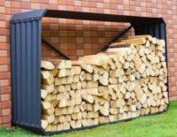 Levný plechový dřevník k plotu nebo stěně domu