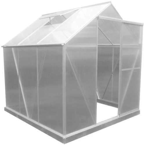 prostorný polykarbonátový skleník