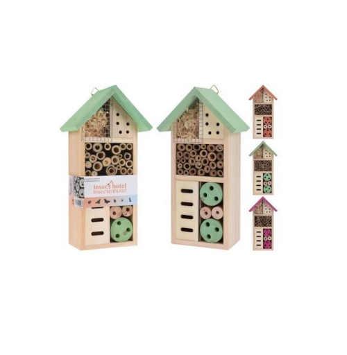 Barevný hmyzí hotel ze dřeva