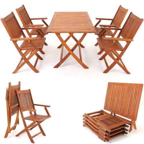 Dřevěný stůl a židle se dají snadno složit