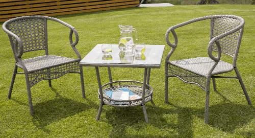 Kovový jídelní zahradní set vyplétaný umělým ratanem