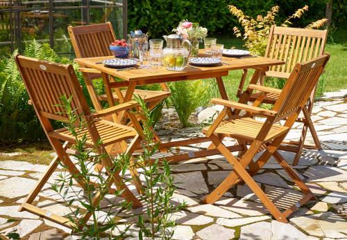 Zahradní nábytek do venkovských zahrad